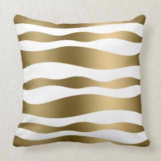 Blanco y rayas onduladas abstractas del oro almohadas