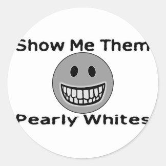Blancos nacarados etiquetas redondas