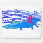 Blauer Axolotl mit Sternen Mouse Pads