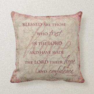 Blessed es las que confían en en el señor Pillow Cojin