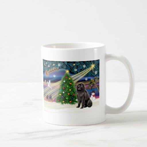 Blksit de la Magia-Newfie de Navidad Taza