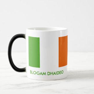 Blogam Dhaideo - Grandad's Cuppa in Irish Gaelic Magic Mug