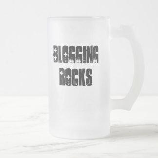 Blogging Rocks Frosted Glass Beer Mug