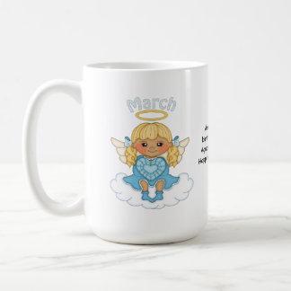 Blonde del ángel de marzo Birthstone Taza