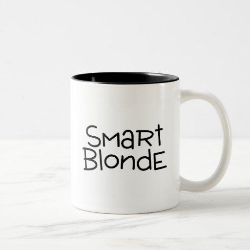 Blonde elegante taza de café