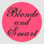 Blonde y Smart Pegatina Redonda