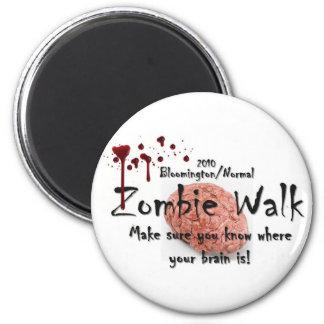 Bloomington 2010/paseo normal del zombi imán redondo 5 cm