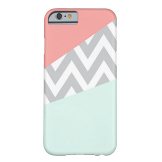 Bloque Chevron del color del coral y de la menta Funda Para iPhone 6 Barely There