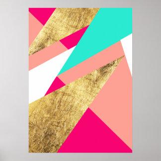 Bloque coralino del color de los triángulos del póster