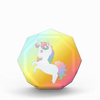 Bloque de acrílico del pequeño unicornio lindo