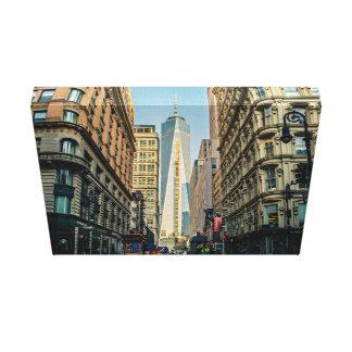 Bloqueo de la manera a una torre corporativa lona envuelta para galerias
