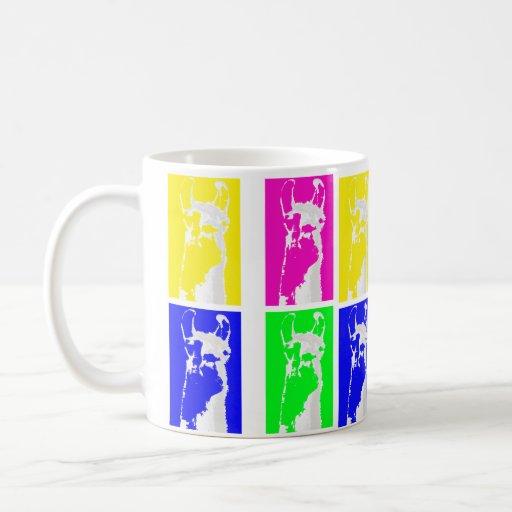Bloques de la llama en colores brillantes en todo taza