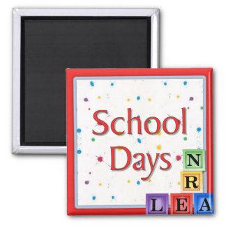 Bloques de los días escolares imán cuadrado