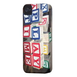 Bloques de madera del juguete de Childs iPhone 4 Case-Mate Carcasas