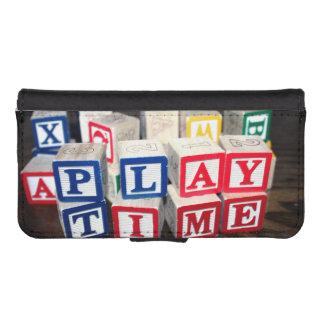 Bloques de madera del juguete de Childs Fundas Tipo Cartera Para iPhone 5