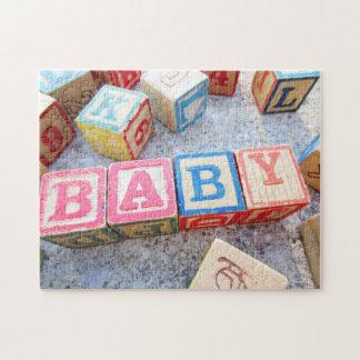 Bloques huecos del bebé de madera de la palabra puzzle