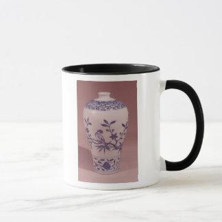 Blossom vase, Ming dynasty Mug
