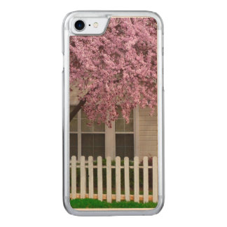 Blossoming Tree in the Suburbs Carved iPhone 7 Case