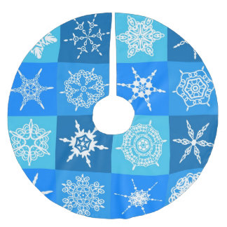 Blue and White Snowflakes Christmas Tree Skirt