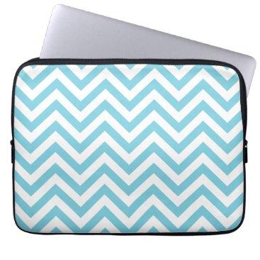 Beach Themed Blue and White Zigzag Stripes Chevron Pattern Laptop Sleeve