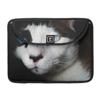 Blue-Eyed Cat Sleeve For MacBook Pro
