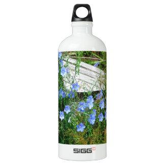 blue flowered bridge water bottle