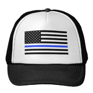 Blue Line fino señala el gorra del camionero por