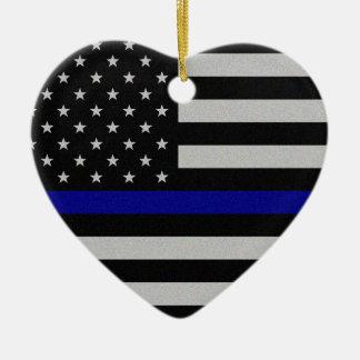 Blue Line fino señala por medio de una bandera Adorno Navideño De Cerámica En Forma De Corazón