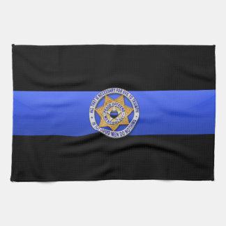 Blue Line fino señala por medio de una bandera y B Toalla