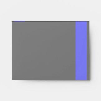 Blue Line fino simbólico en una decoración negra Sobres