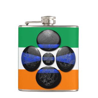 Blue Line fino y seis símbolos irlandeses
