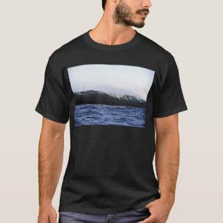 Blue ocean surfing wave New Zealand T-Shirt