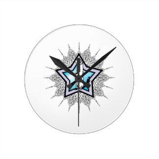 blue star squirrel round clock