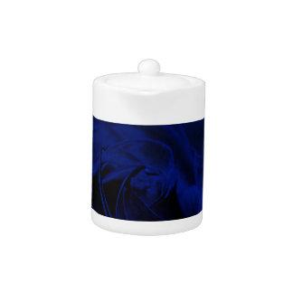 Blue Velvet rose.jpg Teapot