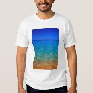 Blue water, Exuma Islands, Bahamas. Tshirt