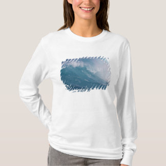 Blue wave crashing, Maui, Hawaii, USA T-Shirt