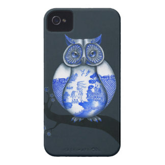 Blue Willow Owl iPhone 4 Cover