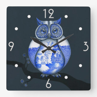 Blue Willow Owl Wall Clock