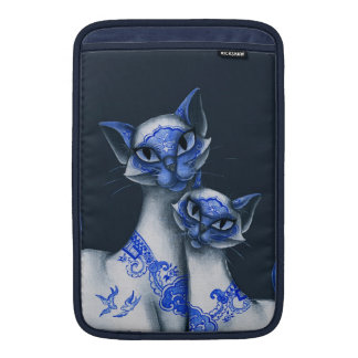 Blue Willow Siamese Cats MacBook Sleeve