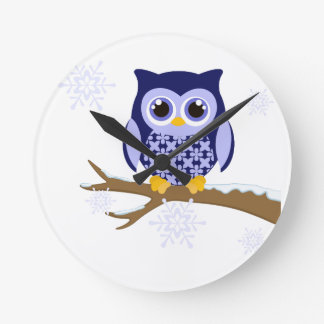 Blue winter owl round clock