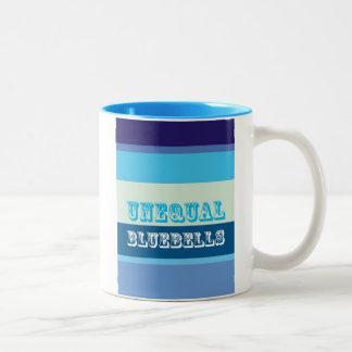 """Bluebells desiguales "" Taza De Café De Dos Colores"