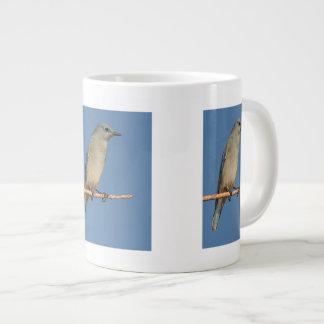 bluebird y cielo azul taza grande
