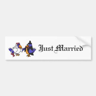 Bluebirds divertidos novia y boda del novio pegatina para auto