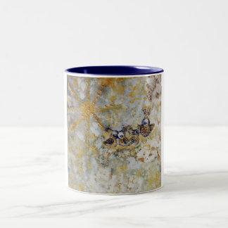 Bluebirds en la colección del regalo del arte de taza de café de dos colores