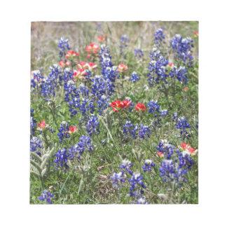 Bluebonnets de Tejas y Wildflowers de la brocha Libreta Para Notas