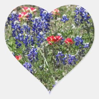 Bluebonnets de Tejas y Wildflowers de la brocha Pegatina En Forma De Corazón