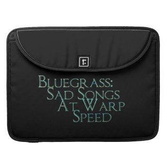 Bluegrass: Canciones tristes a la velocidad de la  Fundas Para Macbook Pro