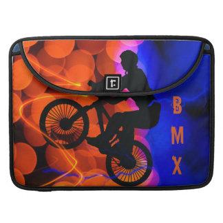 BMX en cristales y relámpago ligeros Funda Macbook Pro