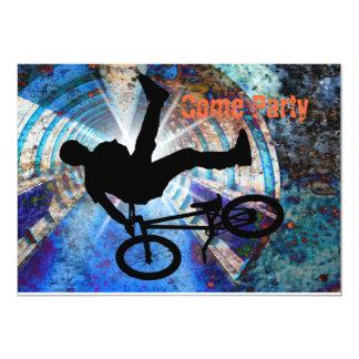 BMX en un túnel del Grunge Invitaciones Personales