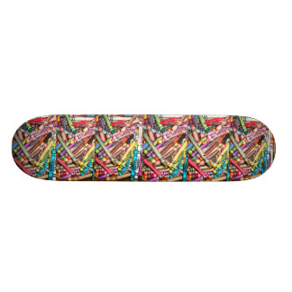 Boards has Roulettes/Crayons Skateboard